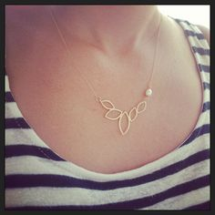 Gold necklace dainty necklace statement gold necklace door Avnis, $36.00