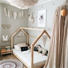 30+ Cute Canopy Bed Designs For Kids Bedroom