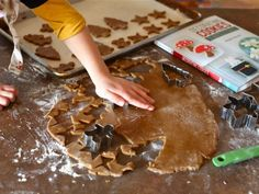 Best gingerbread dough recipe and great tips. Definitely going to try this one Gingerbread Dough, Gingerbread Ornaments, Gingerbread Decorations, Gingerbread Cookies, Christmas Cookies, Cookie Decorating Party, Christmas Tunes, Christmas Crafts, Marshmallow Cream