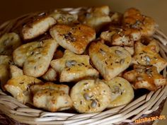 SYROVÉ CHUŤOVKY Shrimp, Stuffed Mushrooms, Pizza, Cookies, Chicken, Vegetables, Food, Christmas Recipes, Party Time