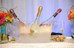 Head table: sparkling wine at the ready