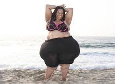 The Plus Size Model Who Holds the Record For World's Largest Hips