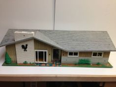 Vintage metal tin ranch style dollhouse - Marx Tin Lift Off Roof.  I had this and I want it again!!