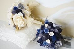 MOH bouquet navy, ivory and grey sola bouquet.