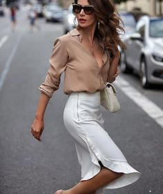 """Out link in our bio"""" business outfits, business fashion, business atti Office Fashion, Business Fashion, Work Fashion, Trendy Fashion, Womens Fashion, Business Attire, Fashion Trends, Fashion Ideas, Fashion Fashion"""