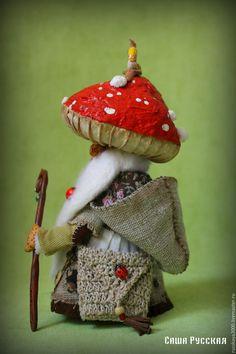 Купить Гриб Мухомор Лукич - ярко-красный, гриб, мухомор, сказка, авторская ручная работа Paper Mache Crafts, Felt Crafts, Mabon, Sock Animals, Paperclay, Fairy Dolls, Pin Cushions, Craft Projects, Stuffed Mushrooms