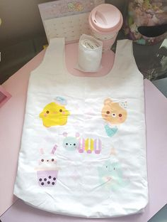 Cute pastel kawaii eco/reusable bag. If you are tired of throwing away bag after bag, a recycle bag is definitely the way to go! Lightweight and sturdy, this reusable bag is able to sustain a load of up to 15kg and comes with its own carry case. ******** Water repellent Free
