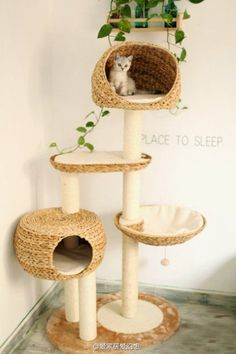 straw beds+cubbies for a cat tree