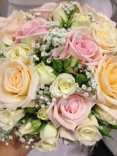 FLORISS Ålgård: Ingelas brudebukett. Pasta Salad, Cabbage, Wedding Flowers, Dream Wedding, Floral Wreath, Wreaths, Vegetables, Ethnic Recipes, Weddings