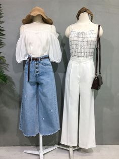 Learn About These Best korean fashion outfits 5361 Twin Outfits, Couple Outfits, Girl Outfits, Fashion Outfits, Cute Fashion, Girl Fashion, Fashion Design, Matching Outfits Best Friend, Clothing Photography