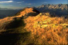 Im Herbst Der Höhenweg im herbstlichen Farbenkleid.Hoehenweg Hochwurzen - Giglachsee