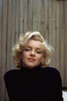 Marilyn Monroe - Retratos coloridos tirados na sua casa em Hollywood, 1953.