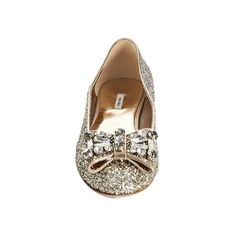Miu Miu silver glitter bow detail flats at Bluefly ($500) ❤ liked on Polyvore featuring shoes, flats, scarpe, sapatos, flat shoes, flat pump shoes, silver flat shoes, glitter flats, silver shoes and silver flats