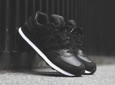 New balance black stealth collection, nu verkrijgbaar bij Alta-Moda | Online Sneaker Store