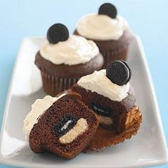 Mini Oreo Surprise Cupcakes l Taste of Home