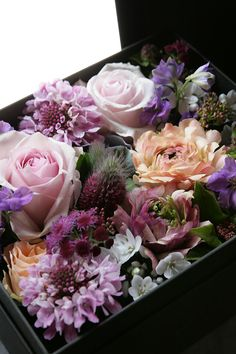 Candle Arrangements, Christmas Floral Arrangements, Floral Centerpieces, Flower Arrangements, Valentines Flowers, Mothers Day Flowers, Bouquets, How To Preserve Flowers, Flower Boxes