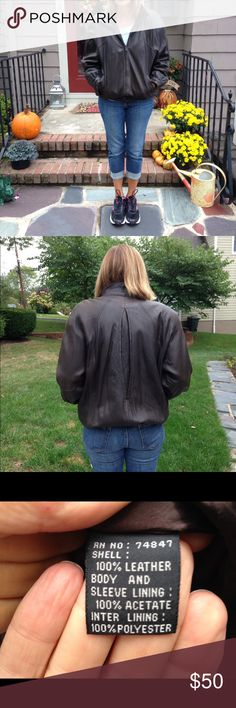 😎 Leather bomber jacket Women's leather jacket. Andrew Marc size M. Some wear on leather. Jackets & Coats