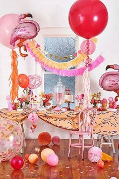 Feather garlands and giant balloons