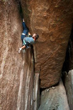 """Attempting the 2nd ascent of """"The Empty Suit"""" (5.11/12) Vedauwoo, WY  Photo: Zach Orenczak"""