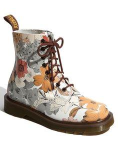 Hip Doc Martens!    Google Image Result for http://www.hipsterchic.com/wp-content/uploads/2011/08/Dr.-Martens-pascal-boots-1.jpg