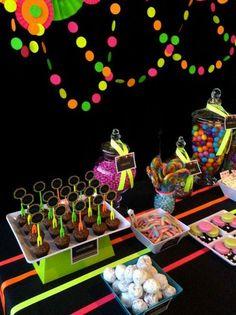 / Glow in the Dark Birthday Party Ideas Neon Birthday, 13th Birthday Parties, 14th Birthday, Sweet 16 Birthday, Rockstar Birthday, Birthday Ideas, Glow In Dark Party, Blacklight Party, Neon Glow