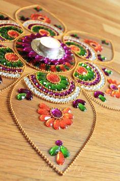 Beautiful rangoli jewels to add texture to kobar design Thali Decoration Ideas, Diwali Decorations, Festival Decorations, Diy Diwali Gifts, Diwali Craft, Diy Crafts Hacks, Diy And Crafts, Arts And Crafts, Bead Embroidery Patterns