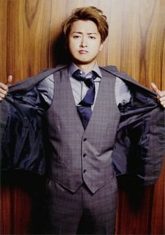 Satoshi Ohno (of Arashi fame) in a three piece suit.