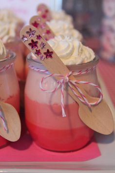 I love these lil details! Perfect for any party! But especially a princess party!