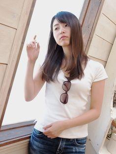 Asian Woman, Asian Beauty, T Shirts For Women, Jeans, Sexy, Tops, Fashion, Moda, Fashion Styles