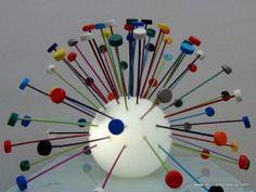 Lámpara realizada reutilizando tapones de botellas de plástico