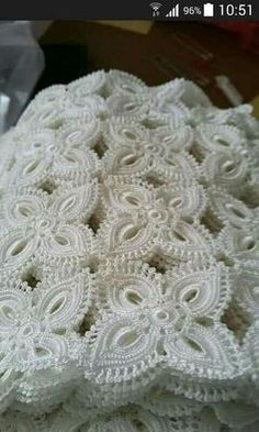 You can examine the pictures to make these spectacular showcase lace. This post was discovered by Sue Shahrouri. Discover (and save!) your own Posts on Unirazi. 2 24 17 Pursuit of Holiness Oval crochet doily pineapple crochet doily oval by kroshetmania A Crochet Stitches For Blankets, Crochet Blanket Edging, Crochet Bedspread, Crochet Motifs, Crochet Tablecloth, Crochet Squares, Crochet Doilies, Crochet Flowers, Crochet Lace