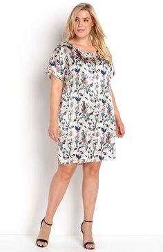 Śliczna sukienka marki Junarose, 219 zł na http://www.halens.pl/moda-damska-na-gore-5750/sukienka-aileen-566600?imageId=398197&variantId=566600-0269