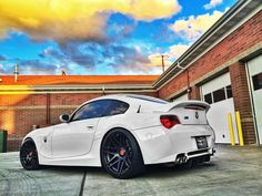 Rolling in the PNW - Alpine White E86-- Excellent job in transforming my old M Coupe. Lamborghini Cars, Bmw Cars, 2015 Bmw M4, Bmw Z4 M, Bmw Motors, 135i, Bmw 1 Series, Alpine White, Bmw Love