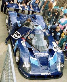 1990 Nissan R 89 C (Lola) Nissan (4.894 cc.) (T) Hervé Regout Alain Cudini Costas Los