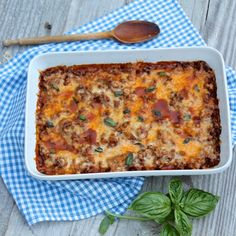 Zucchini Pizza Casserole--like your favorite pizza, feel free to mix in your favorite toppings!   Fountain Avenue Kitchen