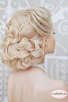 18 Creative And Unique Wedding Hairstyles ❤ See more: http://www.weddingforward.com/creative-unique-wedding-hairstyles/ #wedding #bride
