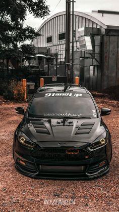 Focus Rs, Ford Focus, Custom Muscle Cars, Custom Cars, Fancy Cars, Cool Cars, Diesel Pickup Trucks, Best Jdm Cars, Camaro Car