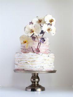 Maggie Austin Cake: edges different color and gradient technique