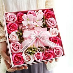 Flower Box Gift, Pink Gift Box, Flower Boxes, Diy Flowers, Bouquet Box, Rose Soap, Diy Soap Rose Petals, 3d Rose, Mason Jar Diy