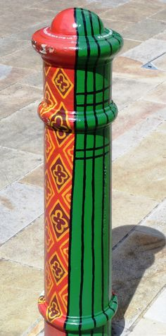 Bollards red and green