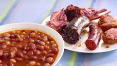 Alubias rojas con sacramentos Spanish Kitchen, Empanadas, Chana Masala, Sausage, Beans, Lunch, Vegetables, Cooking, Ethnic Recipes