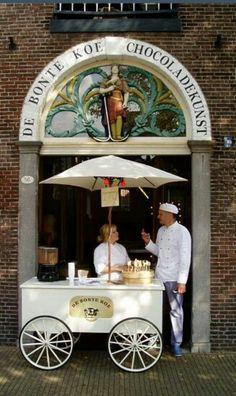 """O kijk eens.... zo'n heerlijke winkel in Schiedam (""""The Spotted Cow / Chocolate Art"""")"""