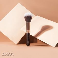 Flawless Finish. Our 106 Powder delivers a soft and even application of loose and pressed powder and fixes the makeup with its soft synthetic hair. #ZOEVA #MakeupBrushes #PowderBrush