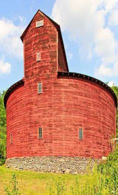 Oddest shaped barn I have ever seen...Round & Red