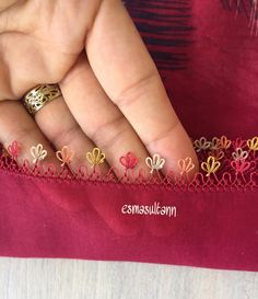 Hand Embroidery Dress, Embroidery Stitches, Bargello, Crochet Motif, Necklace Designs, Class Ring, Tatting, Gold Rings, Sewing
