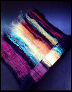 Cosmic Dance II: Hand-Carded Solar-Dyed Fiber Batt for Spinning & Felting… Spinning Wool, Hand Spinning, Spinning Wheels, How To Dye Fabric, Hand Dyed Yarn, Yarn Colors, Needle Felting, Textiles, Art Yarn