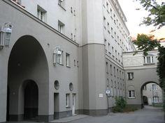 Fuchsenfeldhof Social Housing, Homes