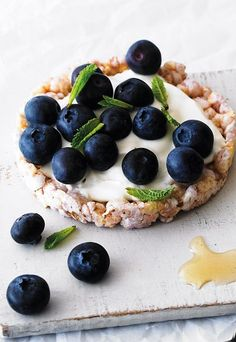 Fruity Blueberry and Yoghurt Rice Cakes - Rice cakes for lunch? Try these tasty topping ideas