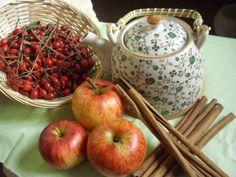 Pečený čaj z jablíček a šípků - Levandulkarozmarynova Apple, Homemade, Fruit, Food, Apple Fruit, Home Made, Essen, Meals, Yemek