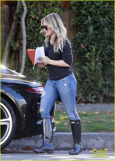 Hilary Duff in wellies rubber boots and jeans